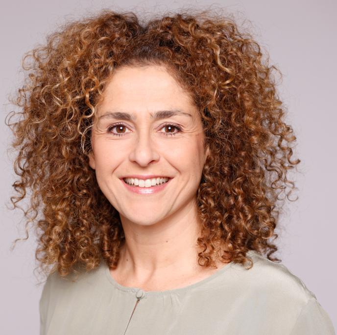 Noa Abu-Oun, Moderatorin & Journalistin